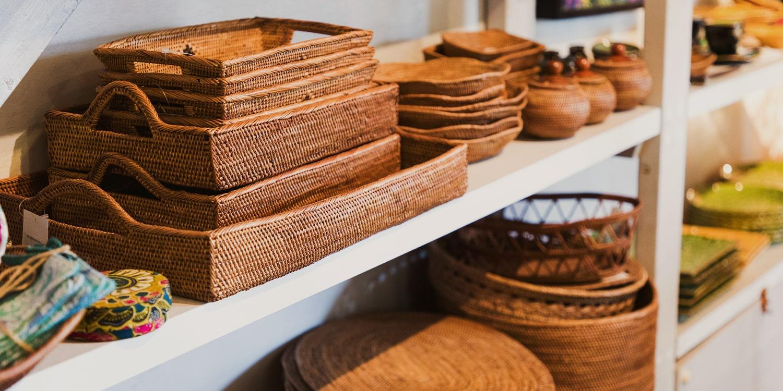アジアン家具、照明、雑貨を販売しているインテリアショップPasar(パサール)